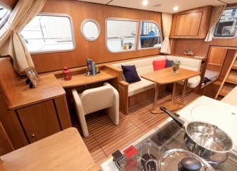 Linssen-34.9-AC-Salon-sb.jpg